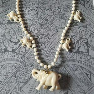 Beautiful VTG Elephant Necklace